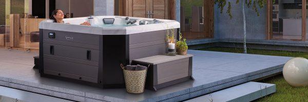 Marquis Hot Tub Vector 21 Series v77L hot tub Ontario outside